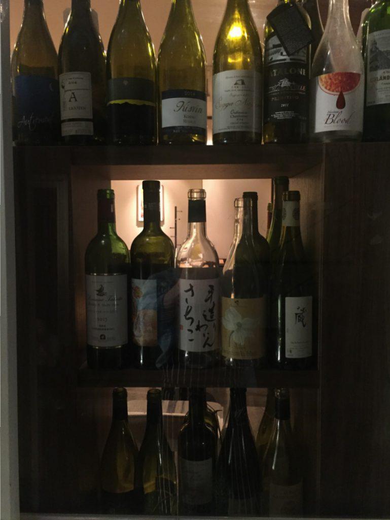 IMG_5279 入口棚ワイン2